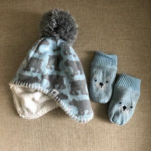 The North Face baby beanie and mittens set